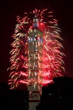 Taipei New Years fireworks by Todor Kamenov 石拓, via Flickr