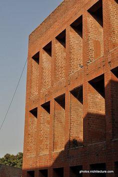 IIM-Ahmedabad-LouisKahn-011