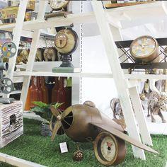 Repisa madera,  escaleras decorativas, relojes vintage Wood Watch, Decorative Ladders, Clocks, Home, Wooden Clock