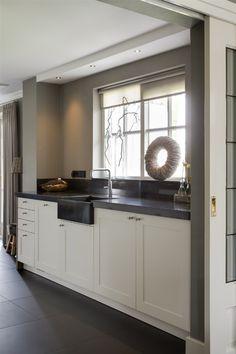 Ikea Kitchen, Rustic Kitchen, Kitchen Decor, Kitchen Ideas, Elegant Home Decor, Elegant Homes, Painting Kitchen Countertops, Kitchen Cabinets Before And After, Kitchen Gallery