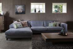 HOEKBANK TIBBE de ideale loungebank met diepe zit en hoge rug   #allepilat #hoekbank #bank #loungebank #gestoffeerd