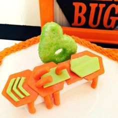 I love what HEXBUG has to offer for birthday parties AND the CAKE....check out my son's HEXBUG birthday party - SUCCESS! A few products was sponsored by HEXBUG.