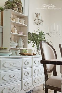 New French Chairs In The House - Shabbyfufu Rental Decorating, Interior Decorating, Decorating Ideas, Decor Ideas, Beautiful Dining Rooms, Beautiful Bedrooms, Estilo Shabby Chic, Pinterest Home, French Chairs