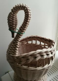 VK is the largest European social network with more than 100 million active users. Newspaper Basket, Newspaper Crafts, Hobbies And Crafts, Diy And Crafts, Arts And Crafts, Willow Weaving, Basket Weaving, Basket Crafts, Paper Weaving