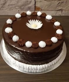 Schokotorte - The world's most private search engine Chocolate Crepes, Easy Cake Recipes, Cream Cake, Cake Decorating, Food And Drink, Sweets, Baking, Ethnic Recipes, Desserts