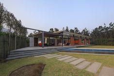 Gallery of Campo Oeste House / Poggione + Biondi Arquitectos - 3