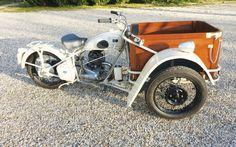 1948 PEUGEOT TRIPORTEUR TYPE 55TN Châssis n° 667547 Carte grise collection - Osenat - 15/03/2015