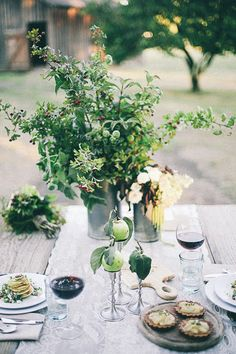 apple orchard themed table scape perfect for a fall wedding