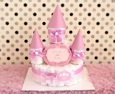Etsy のBaby Girl shiny Pink & purple Diaper Cake Castle / Baby Shower Centerpiece / Elegant princess / for gift / nappy / decoration / violet(ショップ名:AngAngBabyUS)