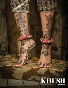 Intricate henna design by Flawless Mehndi