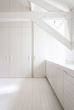 IN 12 - 05 By Pieter Vanrenterghem - interior architecture - lines - attic