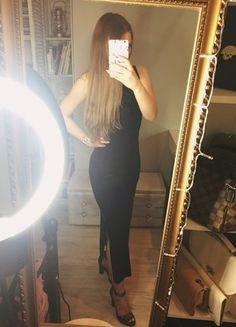 Kup mój przedmiot na #vintedpl http://www.vinted.pl/damska-odziez/dlugie-sukienki/16804019-czarna-sukienka-welurowa-dluga-wizytowa-dzienna-i-sportowa