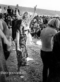Isle of Wight festival 1970 Isle Of Wight Festival, London Clubs, Seventies Fashion, Woodstock, Festivals, Posters, Concert, Places, People