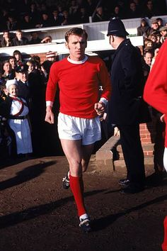 Manchester United's Pat Crerand runs out before the match Manchester United Wallpaper, Manchester United Legends, Manchester United Players, Retro Football, Football Soccer, Man Utd Squad, Top Soccer, Premier League Champions, Simply Red