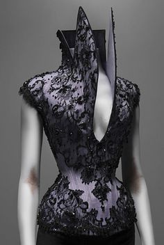 A First Look at the Costume Institute's 'Alexander McQueen: Savage Beauty' Exhibit - The Cut