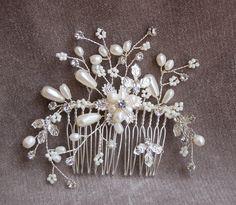 Bridal Handmade Pearl & Rhinestone Hair Comb / Wedding Hair Comb / Vintage Inspired Comb