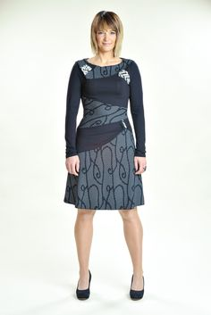 Amour dress : Very comfortable knit dress with asymmetrical cuts very advantageous for the silhouette.