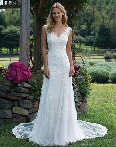 Wedding Dress Trouwjurk Bruidsjurk Vintage Romantisch V-Hals Open Rug Kant Lace Ivoor Ivory  Prinsessen Princes