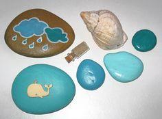 Galets de plage peint à la main nuage, baleine, bouteille avec sable et coquillage / esprit bord de mer