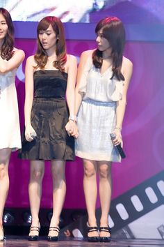 #jeti #jeny #snsd #Jessica #tiffany Taeyeon Jessica, Tiffany Hwang, Jessica Jung, Young Ones, No One Loves Me, Summer Dresses, Formal Dresses, Kpop Groups, Snsd