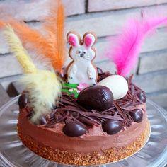 Children's Easter chocolate and vanilla cake - mona de pascua de chocolate @ lili's cakes #Easter #chocolate #cake #recipe #monadepascuadechocolate #childrenscake