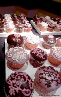 cupcakes marrom e rosa para decoração de casamento