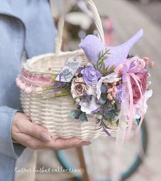 Vellum Crafts, Paper Crafts, Cute Crafts, Diy And Crafts, Indian Wedding Gifts, Wedding Gift Baskets, Wicker Picnic Basket, Engagement Decorations, Flower Girl Basket