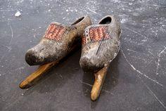 Laat de 11 stedentocht maar komen!   wooden shoes w/blades