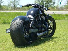 It looks like a H-D V-Rod frame. Custom Street Bikes, Custom Bikes, Custom Cars, Harley Night Rod, Harley V Rod, Harley Davidson Custom Bike, Harley Davidson Motorcycles, Victory Motorcycles, Cool Motorcycles