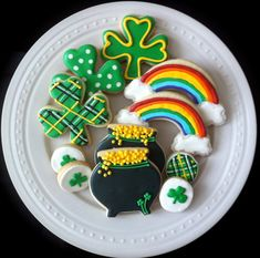 St Patrick's Day decorated cookies shamrocks by peapodscookies
