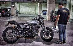 CB速醉男子_CB1100さんはInstagramを利用しています:「晚安各位小瓢蟲 #rider #ridebikes #motobike #motolife #bikelife #biker #honda #hondalife #hondacb #cb1100 #caferacerstyle #oldschool #mystyle…」 Honda Cb, Motorcycle, Vehicles, Instagram, Motorcycles, Car, Motorbikes, Choppers, Vehicle