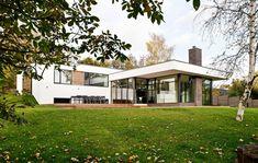 Få viden og inspiration her Architectural Elements, Home Fashion, Facade, Garage Doors, Villa, Mansions, Modern, Architecture, House Styles