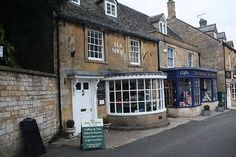 Ann Willow Tea Shop, Stow on the Wold http://blog.rachelcotterill.com/2009/10/ann-willow-tea-shop-stow-on-wold.html