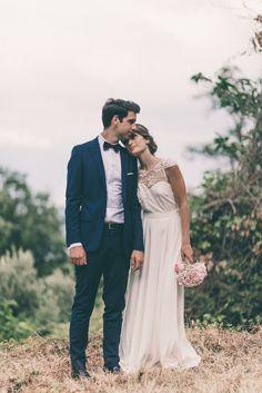 Joli mariage en Corse. Robe : Elise Hameau. Photo : Julien Navarre