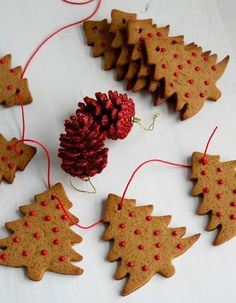 Gingerbread Cookies, Christmas Cookies, Christmas Ornaments, Sweets, Holiday Decor, Desserts, Crafts, Food, Spa