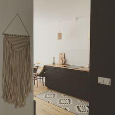 Rugs, Home Decor, Farmhouse Rugs, Homemade Home Decor, Types Of Rugs, Interior Design, Home Interiors, Carpet, Decoration Home