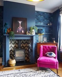 Trendy Living Room Wallpaper Fireplace Alcove Ideas Trendy Living Room Wallpaper Fireplace Alcove Id Dark Blue Living Room, Dark Blue Walls, Accent Walls In Living Room, New Living Room, Living Room Decor, Blue And Mustard Living Room, Dining Room, Dark Grey, Dining Chairs
