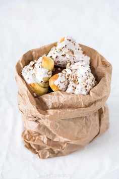Martin's Croissants Polish Desserts, Polish Recipes, Polish Food, Beignets, Croissant Brioche, Eat Dessert First, Cupcakes, Croissants, I Love Food