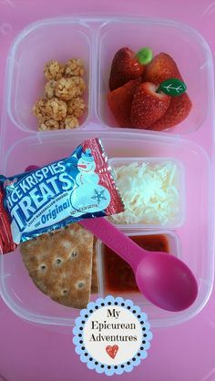 My Epicurean Adventures: Here's Lunch #21: Pizza Lunchables with Strawberries #Easylunchboxes