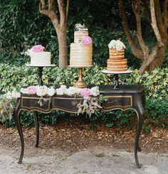Vintage table cake display
