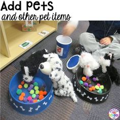 & tricks to set up your dramatic play center in your preschool, pre-k, and kindergarten classroom.Tips & tricks to set up your dramatic play center in your preschool, pre-k, and kindergarten classroom. Dramatic Play Area, Dramatic Play Centers, Preschool Centers, Preschool Themes, Preschool Set Up, Creative Curriculum Preschool, Preschool Social Studies, Pet Shop, Pet Vet