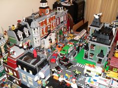 Haunted house with modular buildings. - LEGO Town - Eurobricks Forums