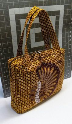 African Fabric Hand bag by Mawufemor on Etsy - popular womens purses, cute handbags for cheap, cute designer handbags *ad African Print Dresses, African Print Fashion, Ankara Fashion, African Prints, African Dress, My Bags, Purses And Bags, Ankara Bags, African Accessories