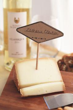 Accord parfait : Le #fromage Zacharie Cloutier de la Fromagerie Nouvelle France & le #vin FRUITÉ ET VIF Réserve blanc du Domaine St-Jacques.