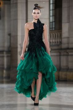 Tony Ward Spring Summer 2019 Haute Couture fashion show at Paris Couture Week (January Fashion Week, Runway Fashion, Fashion Show, Fashion Design, Live Fashion, Punk Fashion, Lolita Fashion, Latest Fashion, Style Couture