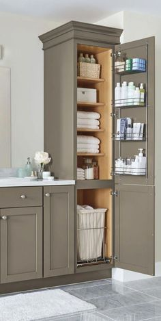 DIY Bathroom Decor Ideas That Can Be Made With Cheap Dollar Stores Items! These … – diy bathroom ideas Bad Inspiration, Bathroom Renos, Bathroom Remodeling, Budget Bathroom, Remodeling Ideas, Bathroom Closet, Bathroom Makeovers, Bathroom Mirrors, Bathroom Shelves