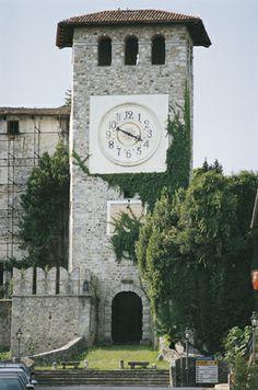 Colloredo di Monte Albano - B&B Stop&Sleep Fagagna #friuli #italy #travel #castle #hills