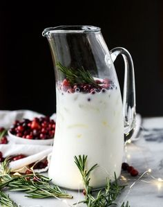 White Christmas Margaritas - Healthy Food Ideas No need to dream of your white Christmas today. I've got it in a glass! With tequila. Merry Christmas you filthy animal. I'm being forced to. Margarita Punch, Margarita Recipes, Cocktail Recipes, Cranberry Margarita, Krups Prep Cook, Prep & Cook, Christmas Cocktails, Holiday Cocktails, Christmas Cocktail Party