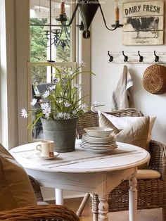 shabby chic kitchen designs – Shabby Chic Home Interiors Shabby Chic Kitchen, Shabby Chic Homes, Shabby Chic Decor, Vintage Kitchen, Vintage Farmhouse Decor, Country Farmhouse Decor, Modern Farmhouse, Farmhouse Style, Rustic Style