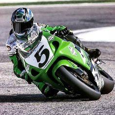 Kawasaki Ninja 750, Kawasaki Zx7r, Kawasaki Motorcycles, Racing Motorcycles, Moto Car, Valentino Rossi, Super Bikes, Road Racing, Motogp